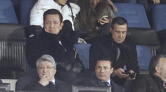 Presidentes de Atlético y Valencia, afectados por la crisis