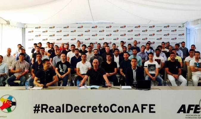 AFE y futbolistas protestan contra el Real Decreto Ley