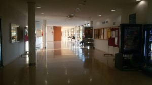 Los pasillos de la facultad / Javier Ezquerra
