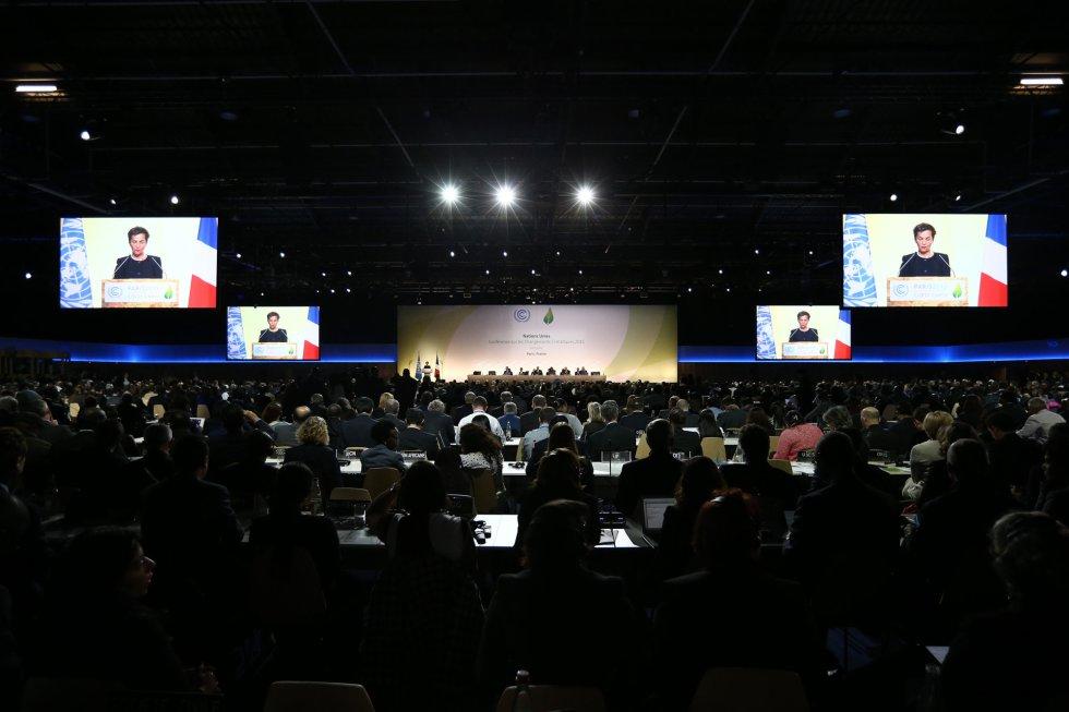 Vista general de la sala donde se está celebrando la conferencia inaugural sobre la cumbre del clima en París en 2015. / Getty Images