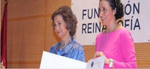 Reina Sofía entrega un premio a la fundación